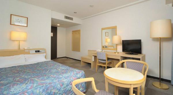 http://img03.jpyoo.com/Hotel/2015/6/26/p19oms9t8221nhfnmcr1eb2roh16.jpg