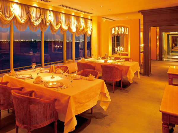 http://img03.jpyoo.com/Hotel/2017/2/28/p1ba1aiq8n1bmvct729hmld10pf6.jpg